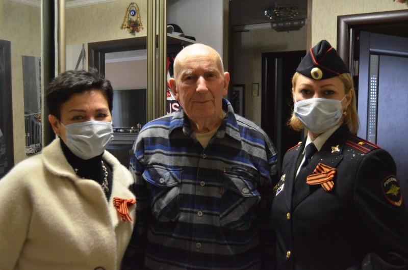 В преддверии празднования Дня Победы тверские полицейские и общественниками посетили ветеранов Великой Отечественной войны
