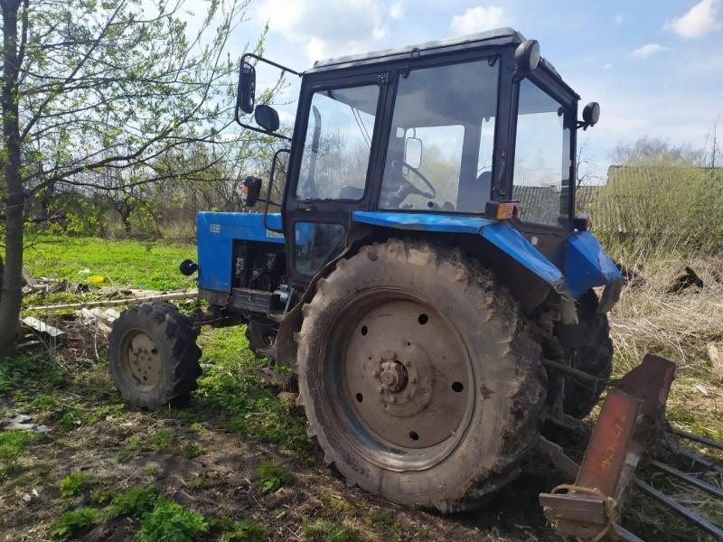 В Тверской области полицейские вернули хозяину, похищенный трактор