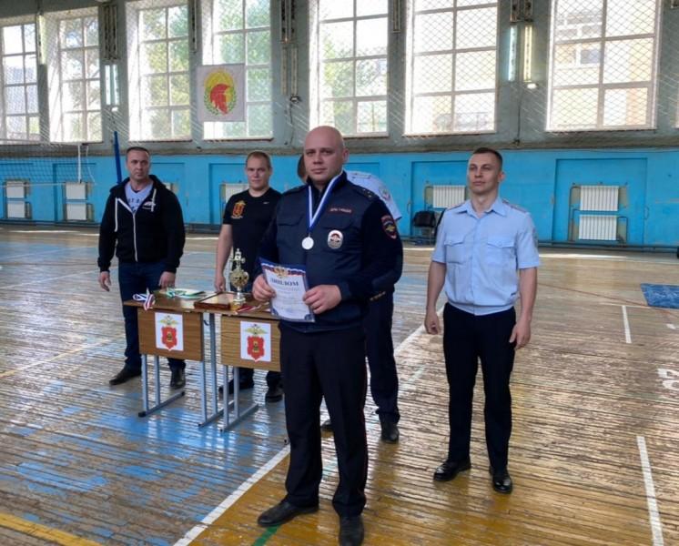 Среди сотрудников полиции Верхневолжья прошли соревнования по жиму штанги