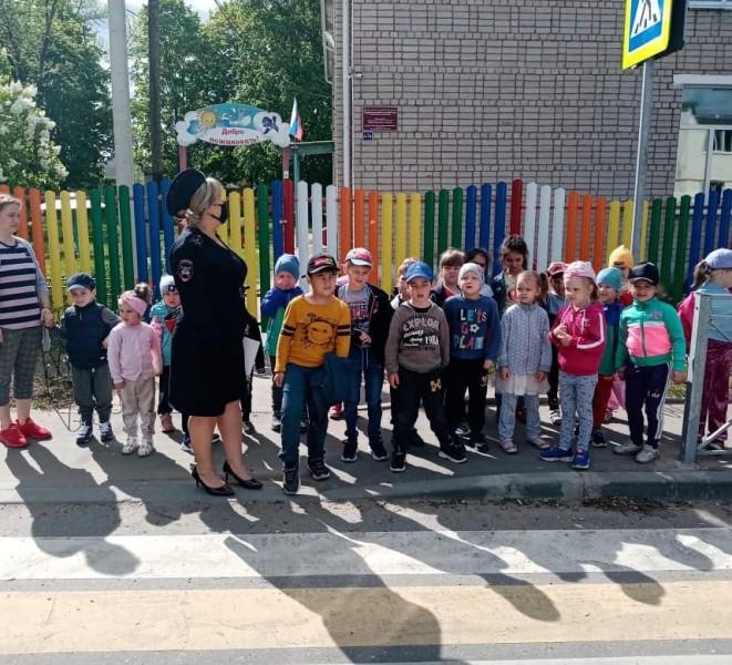 Сотрудники Ржевской Госавтоинспекции провели мероприятие «Мой безопасный маршрут»