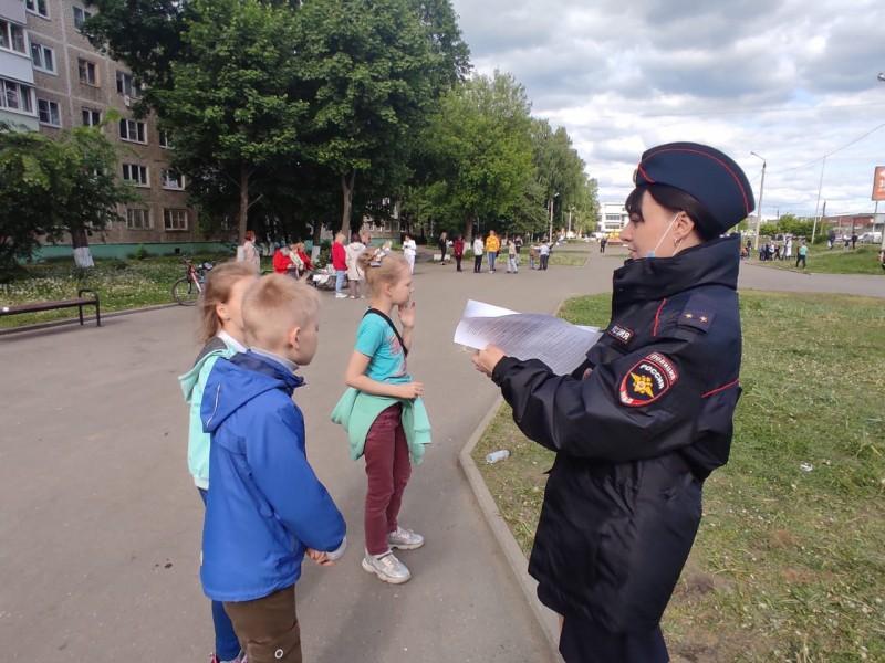 Тверские полицейские совместно с представителями казачества провели правовой квест для детей