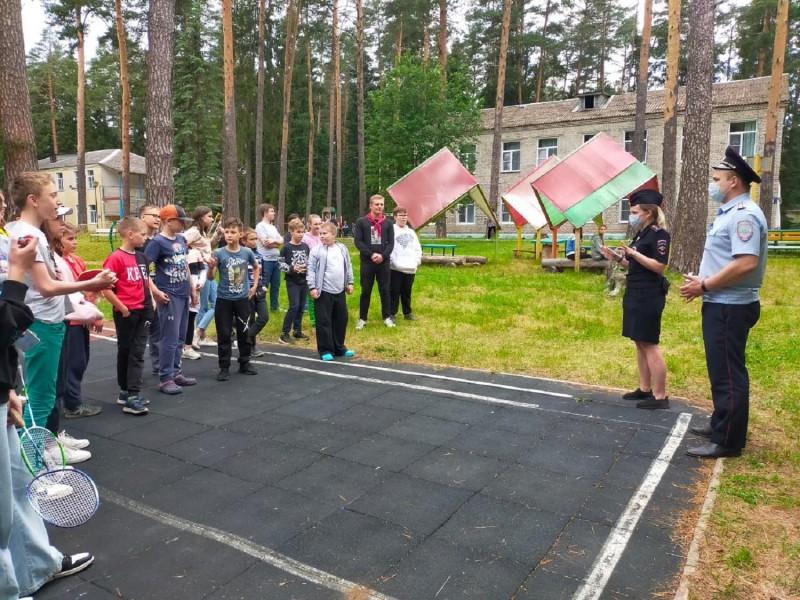 В Тверской области в рамках акции «Каникулы с Общественным советом» полицейские и члены Общественного совета посетили детский лагерь отдыха