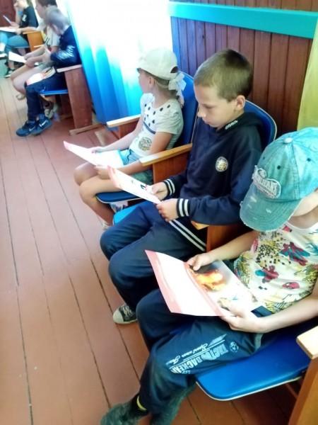 В Тверской области полицейские и общественники навестили ребят в пришкольном лагере