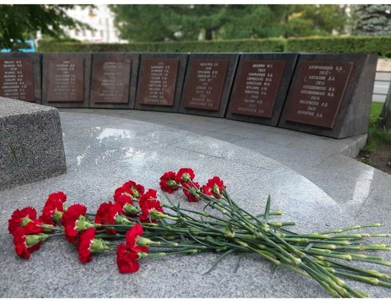 В День памяти и скорби сотрудники УМВД России по Тверской области почтили память погибших воинов минутой молчания