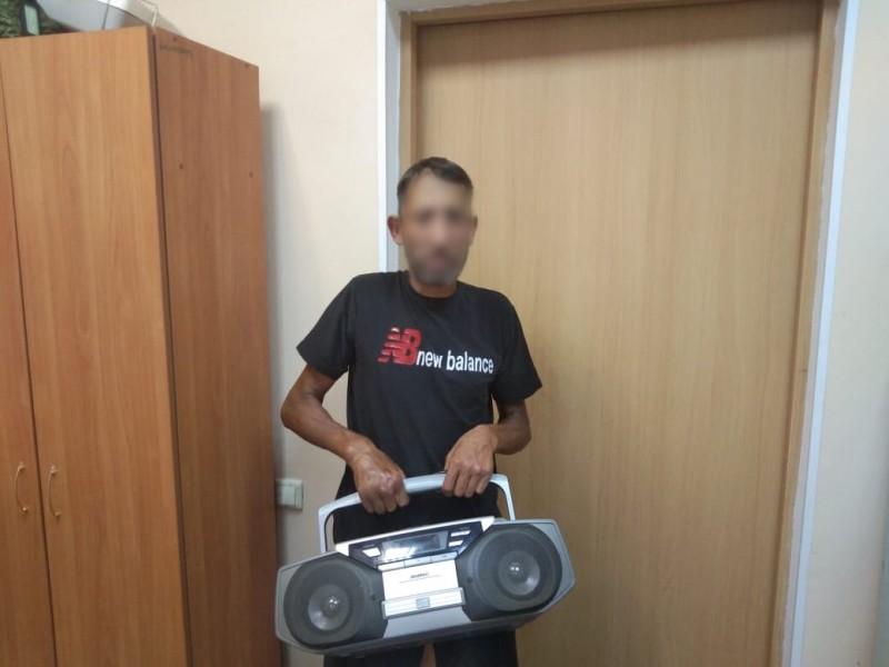 В Вышневолоцком районе Тверской области полицейские задержали подозреваемых в краже