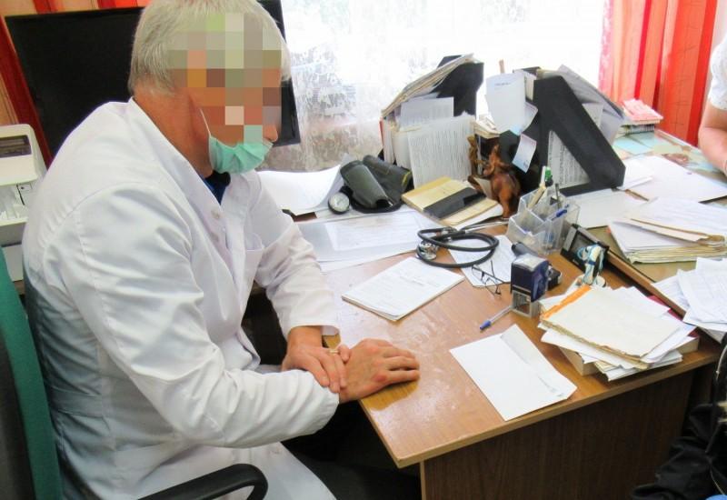 В Тверской области сотрудники полиции выявили факт внесения в единую информационную систему фиктивных данных о вакцинации