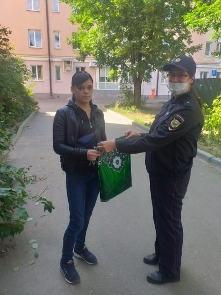 В Твери полицейские и общественники приняли участие в акции «Помоги пойти учиться»
