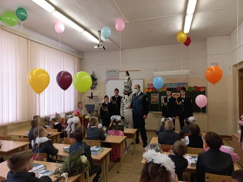 Сотрудники Госавтоинспекции города Твери провели акцию «Засветись»