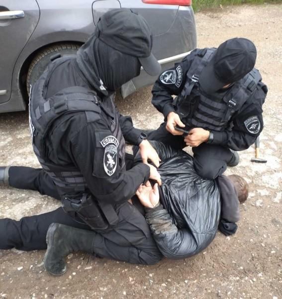 В городе Осташков задержан подозреваемый, пытавшийся заработать на бесконтактном сбыте наркотиков