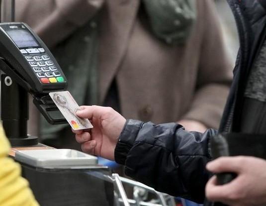 В Конаково полицейские раскрыли кражу денег с банковской карты