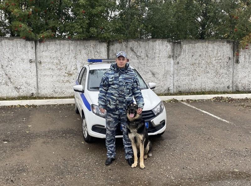 В Тверской области служебная собака помогла полицейским выйти на след подозреваемого в краже