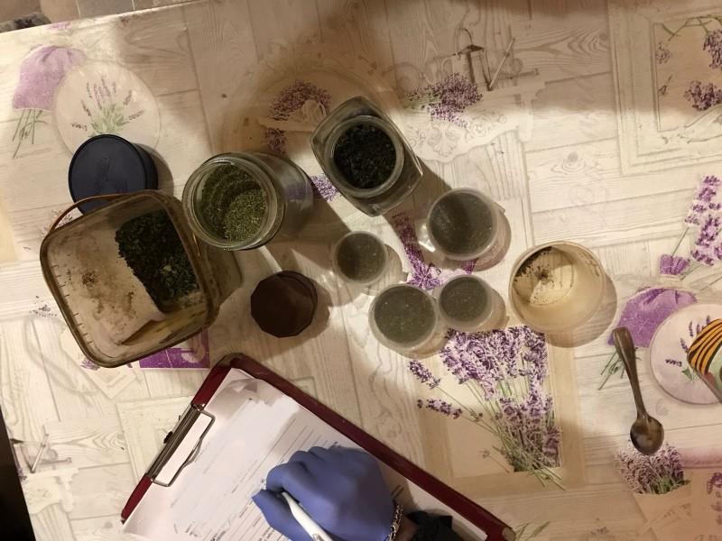 В Зубцовском районе полицейские пресекли незаконное хранение наркосодержащих растений