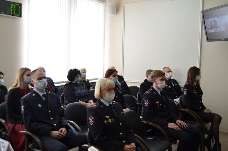 В УМВД России по Тверской области поздравили сотрудников Управления по работе с личным составом
